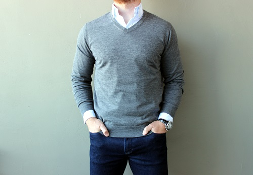UNIQLO Extra Fine Merino Wool V-Neck Sweater | Dappered.com